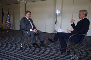 Порошенко сообщает, что не собирается отводить войска от занятых позиций