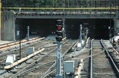 На железной дороге в Харькове сработали два взрывных устройства