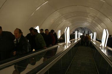 """Сегодня на станции """"Сырец"""" киевского метро начнется внеплановый ремонт эскалатора"""
