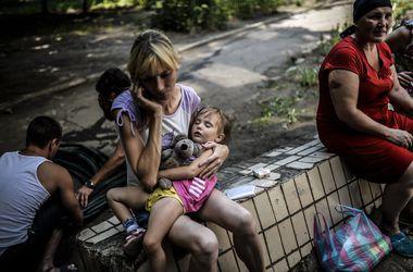 Марьинские и донецкие переселенцы возвращаются из Курахово домой