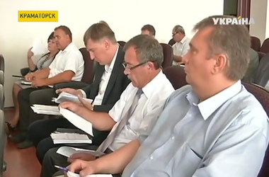 В Краматорске депутаты отказались предоставить звание почетного гражданина защитнику города