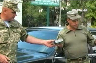 Николаевским десантникам подарили уникальный очиститель воды