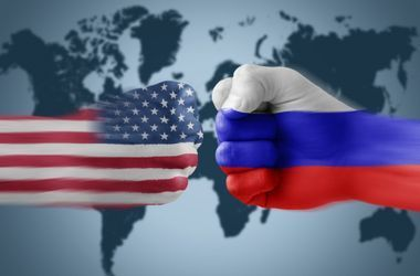 Запад наносит двойной удар: США ввели новые санкции против России
