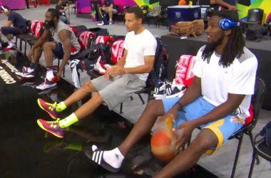Звезды сборной США сразились в умении бросать со скамейки