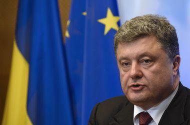 Порошенко и Меркель обсудили нарушение режима прекращения огня в Донбассе