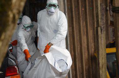 Женщина-врач скончалась от смертельной лихорадки Эбола в Африке