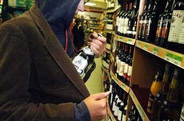 Экс-военный пытался ограбить супермаркет в Киеве