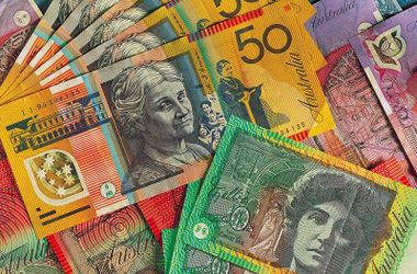 Курс австралийского доллара резко упал