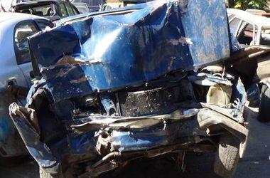 В страшном ДТП под Киевом погиб водитель и двое пассажиров