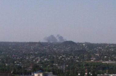 В Донецке боевики начали штурм аэропорта, в домах дрожат стекла