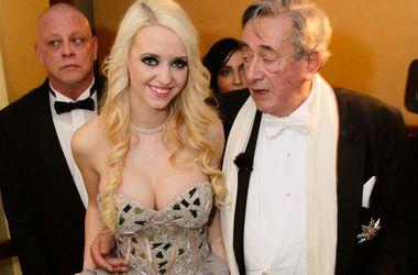 """81-летний миллиардер Ричард Люгнер женился на 24-летней модели """"Playboy"""""""