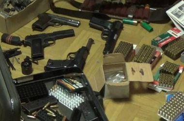 Под Киевом милиция нашла у пьяного мужчины арсенал оружия