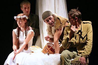 В Харькове актеры решили помочь беженцам и военным
