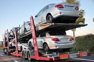 Украина начала расследование импорта автомобилей из РФ