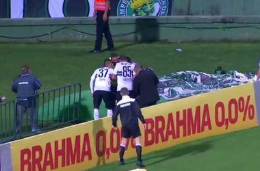 Футболист упал в яму, празднуя гол