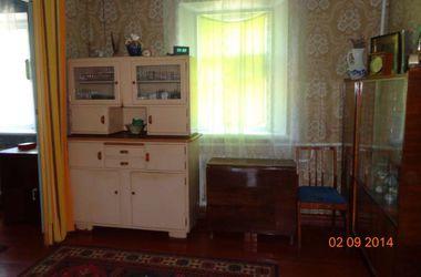В Донецке меняют квартиры на авто, а пожить рядом с резиденцией Януковича можно всего за 1500 гривен