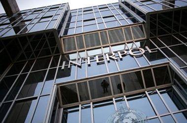 """Интерпол до сих пор не выставил """"красную карточку"""" на Януковича – ГПУ"""