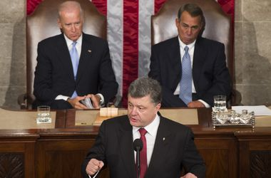 Порошенко призвал США предоставить Украине особый статус партнера вне НАТО