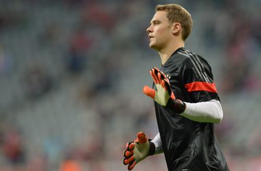 """Бавария"" застраховала руки Нойера на три миллиона евро"