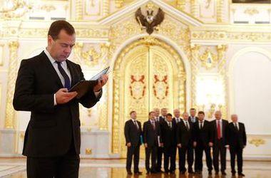 Россия вынуждена отвечать на санкции – Медведев