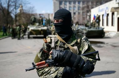 НВФ и российские военные за сутки обстреляли более 20 позиций АТО – СНБО