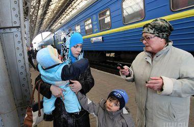 ГосЧС разместила 256 тыс. переселенцев из зоны АТО и Крыма в других регионах Украины