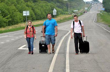 На границах зоны АТО работает 4 пункта для встречи переселенцев – СНБО