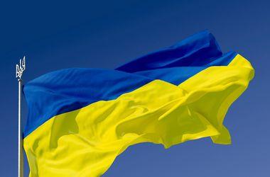 2,4 тыс детей одновременно спели гимн Украины в Херсоне