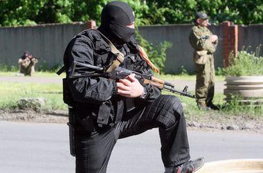 Боевики обстреляли поселок Стахановец в Луганской области