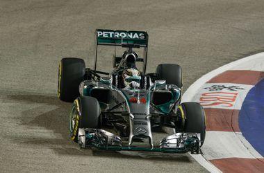 Хэмилтон выиграл квалификацию Гран-при Сингапура