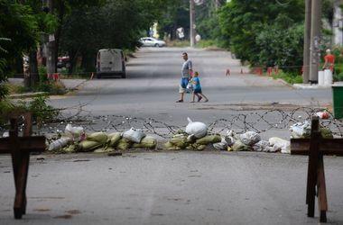 В Мариуполе снаряд упал рядом с цехом ММК им.Ильича – горсовет