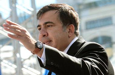 У меня сердце болит не за арестованный дом, а за Грузию – Саакашвили