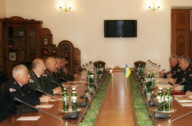 С визитом  в Украине  побывал начальник Генерального штаба ВС Грузии