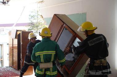 В Тернопольской области обрушился угол трехэтажного админздания