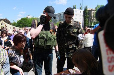 Боевики не разрешают мужчинам выезжать в Россию