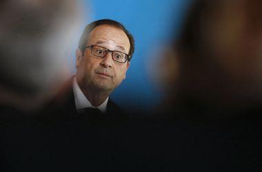 Олланд отказывается бомбить Сирию