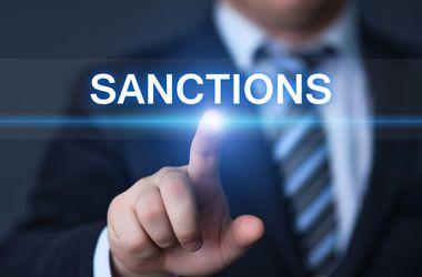 """В ЕС назвали возможность отмены санкций против РФ """"крайне маловероятной"""""""