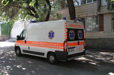 """Кличко передал бойцам в зону АТО 10 """"скорых"""""""