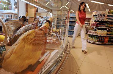 Из-за санкций продукты в России стали дороже и хуже по качеству