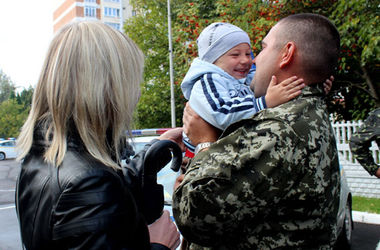 Работники ГАИ, которые больше месяца провели в зоне АТО, вернулись во Львов