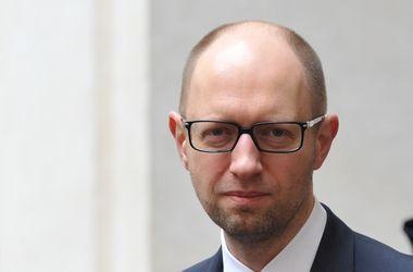 Украина и РФ должны заключить временное соглашение по газу – Яценюк