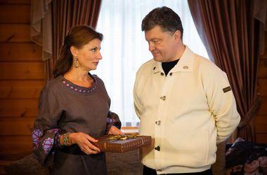 Порошенко признался, что получил самый необычный подарок из рук супруги