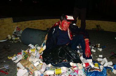 Милиция попросила больше не бросать политиков в мусорки