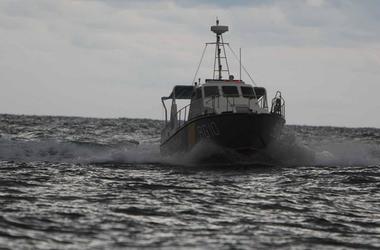 Пограничники спасли в Азовском море пьяных рыбаков
