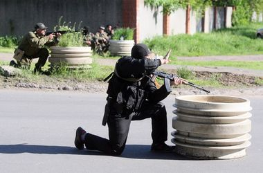 Террористы продолжают обстрелы позиций украинских военных – пресс-центр АТО