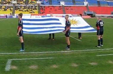 Во время регбийного матча в Красноярске вынесли неправильный флаг Уругвая