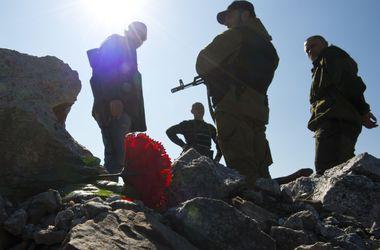 Политологи: Россия и боевики нарушают перемирие, а изменить ситуацию может встреча Порошенко и Путина