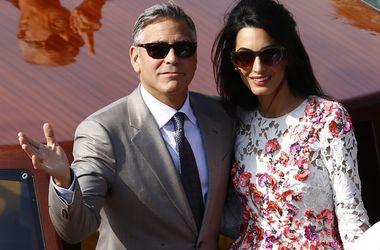 Джордж Клуни и Амаль Аламуддин лично написали свадебные клятвы