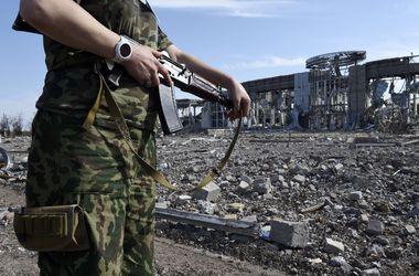 В Макеевке снаряд попал в нефтебазу и убил человека