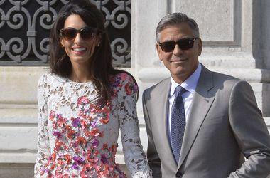 Питт и Джоли не появились на свадьбе Джорджа Клуни из-за работы